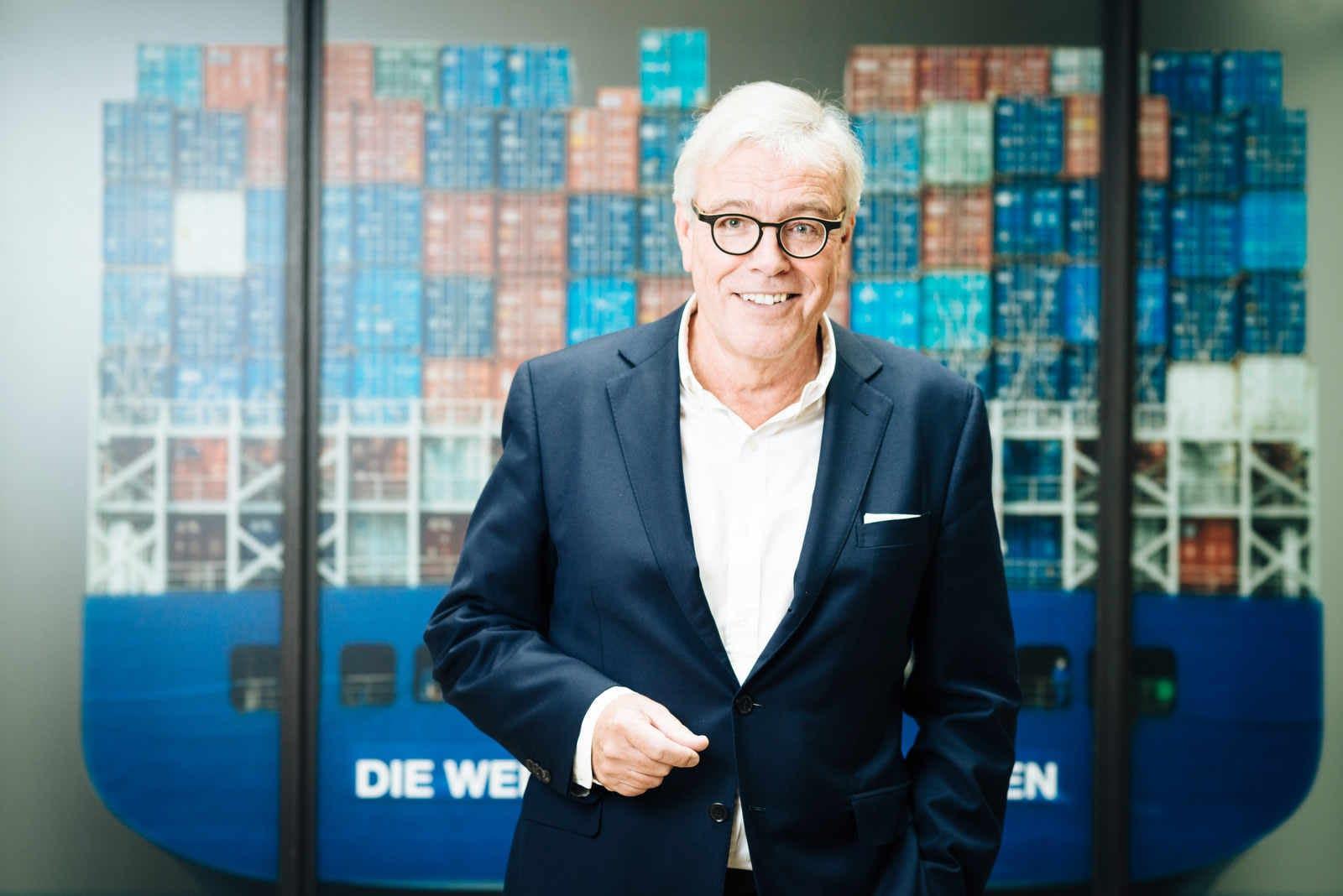 business-fotograf-hamburg-hhla-peters-managerportraet-businessfotos-geschaeftsbericht